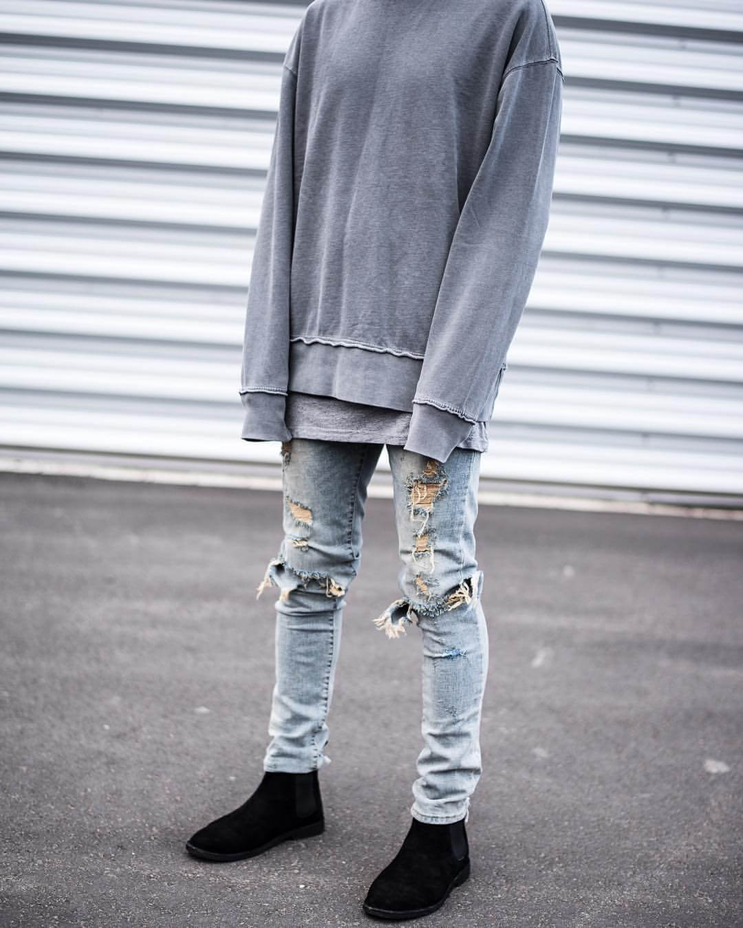 distressed,jeans,oversized,sweater,chelsea,boots